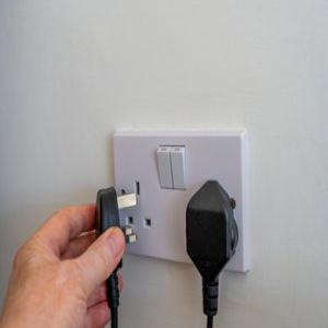 Plugging the Unit Off